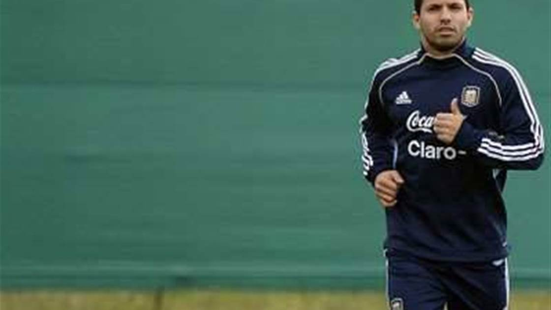 Aguero withdraws from Argentina squad