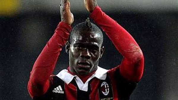 Allegri praises 'champion' Balotelli