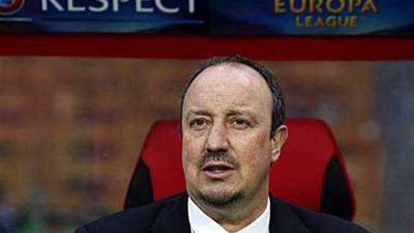 Benitez praises 'professional' Chelsea