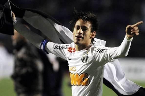 Neymar set to join Barcelona, says Ronaldo