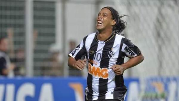Ronaldinho retained in Brazil squad