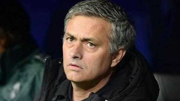 Mourinho emotional at Ferguson retirement