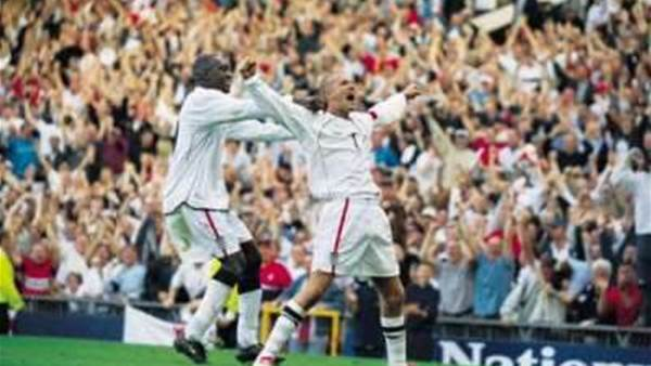 Tributes paid to Beckham after retirement decision