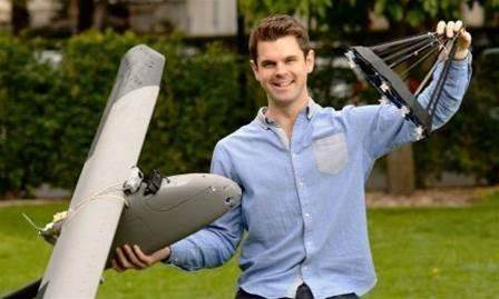 Sydney Uni researcher flies self-docking drone