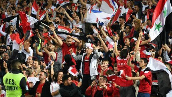 Syrian fans take protests online