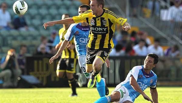 Alex Smith Stays At Wellington Phoenix