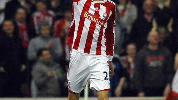 Lineker Makes Case for Crouch