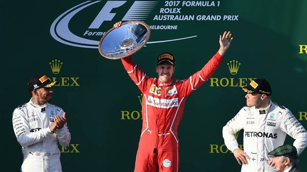 Vettel downs Hamilton to win AGP