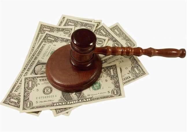 Ex-Siemens execs charged over $100m bribery scheme