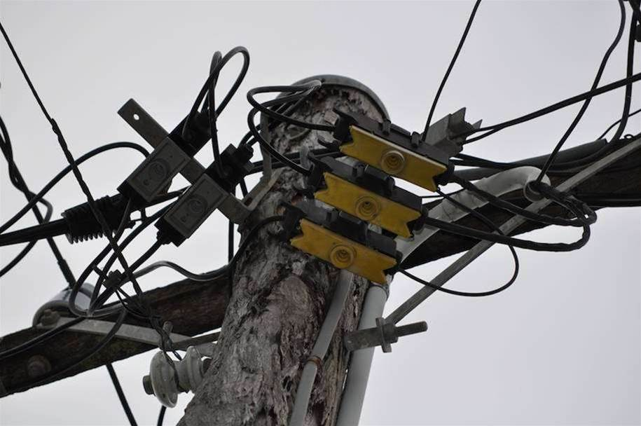 Pole operators hit back over NBN aerial cable plan