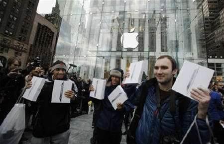 Apple iPad 2 sales seen clearing 1 million units