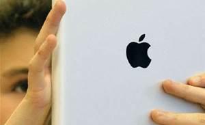 US Congress deepens Apple location tracking probe