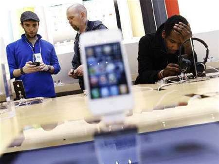 Apple chief patent lawyer leaving