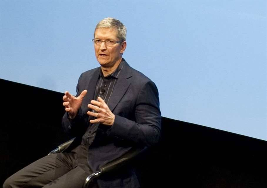 Apple's Cook backs tax reform