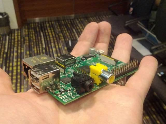 Raspberry Pi: the $40 PC arrives