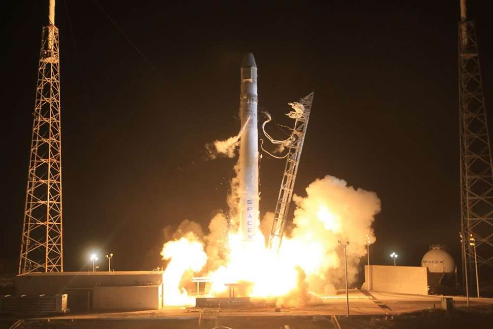SpaceX Successfully Launches Private Spacecraft Into Orbit