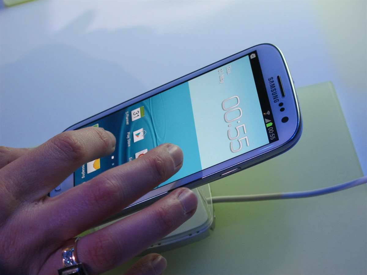 Get nearly 25% off the Samsung Galaxy S III