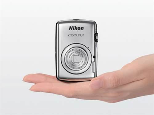 Meet the Nikon Coolpix S01 – its smallest ever camera