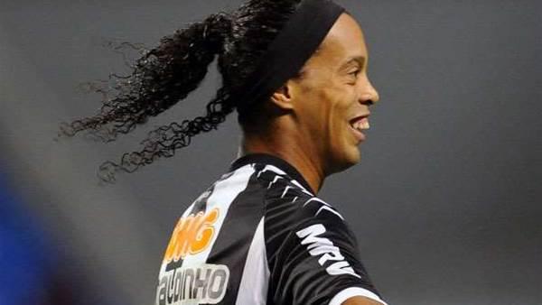 Ronaldinho Sparks Mineiro Rout