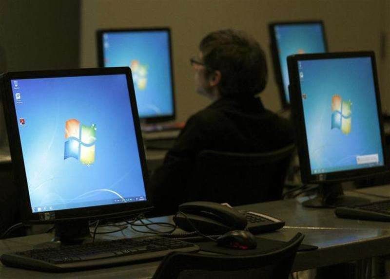 Feds still paying for Windows XP custom support