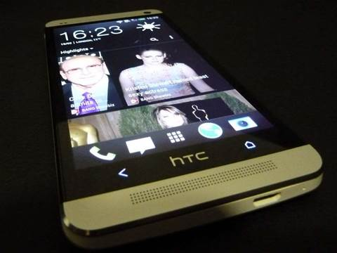 HTC releases the One