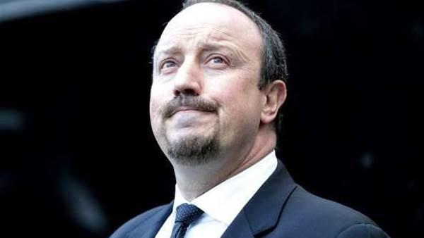 Benitez takes aim at Chelsea fans, board