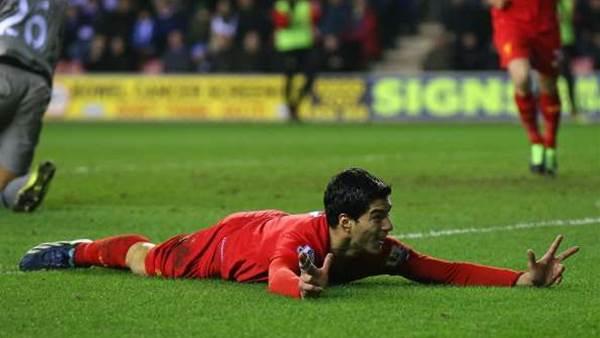 Gerrard tips Suarez for top award