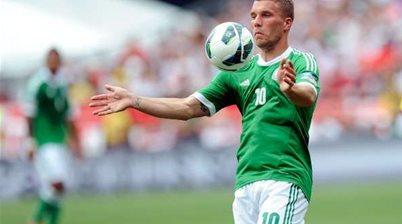 Impending Higuain arrival doesn't concern Podolski
