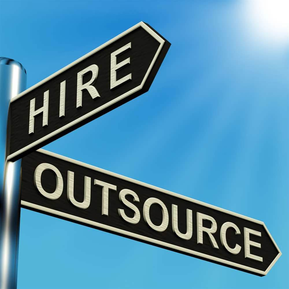 Telstra to outsource cloud jobs to IBM