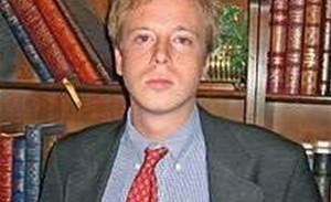 US drops web link sharing charges against journalist