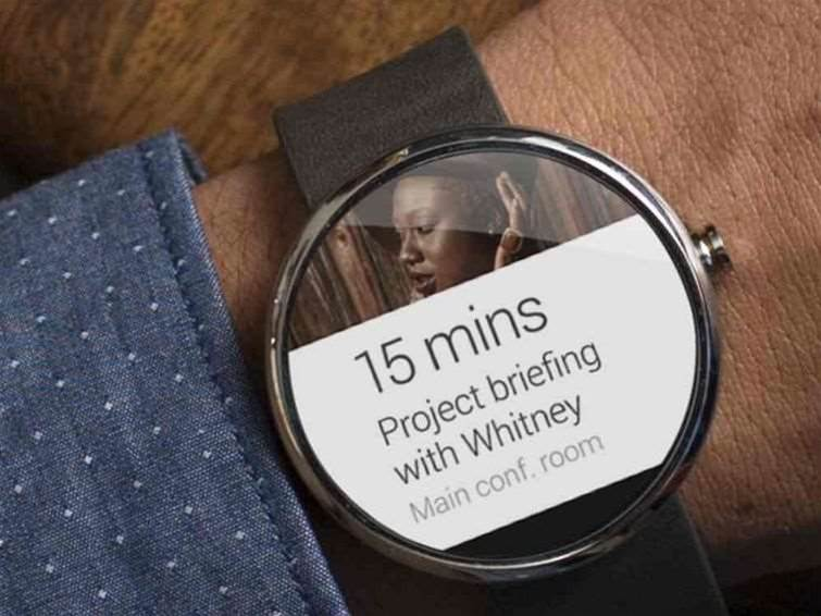Motorola, LG unveil Android Wear smartwatches