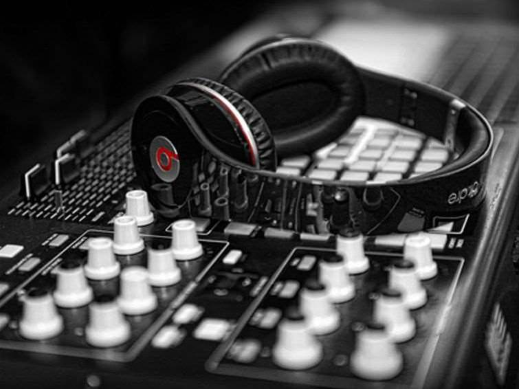 Why did Apple buy Beats?