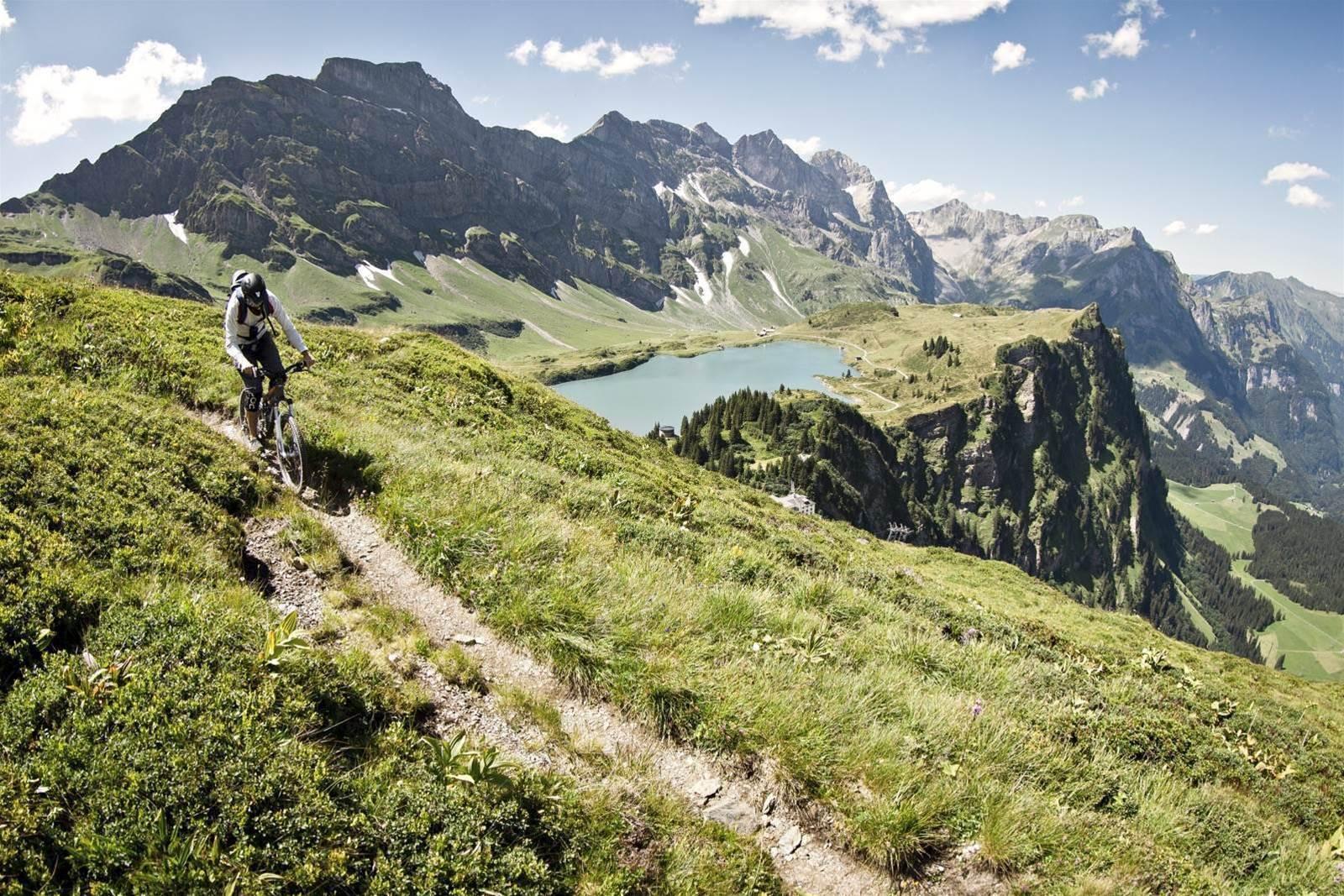Trails by rail in Switzerland