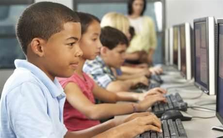 Computers in schools don't help kids learn: OECD