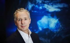 Telstra, CBA join Turnbull's quantum computing push