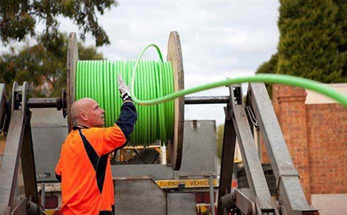 Comms minister hits back at Labor in NBN stoush