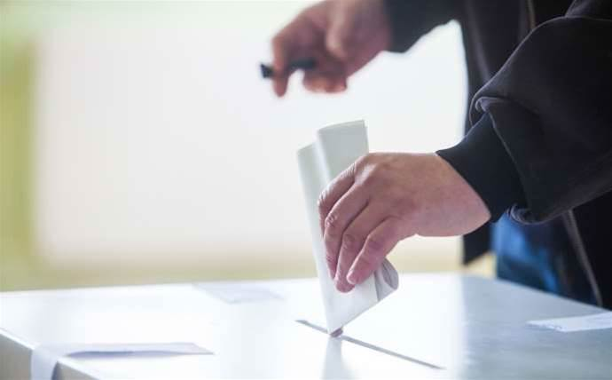 Vic electoral commission told to lift its game on e-voting