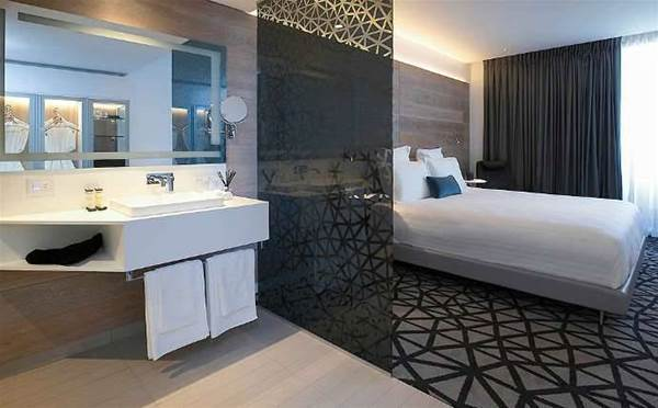 Pullman Hotel takes off into UXC-deployed cloud