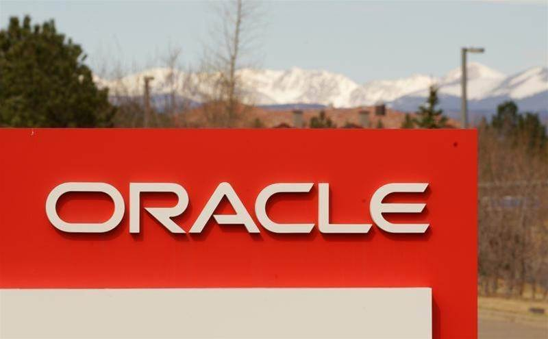 Oracle's cloud transition helps beat expectations