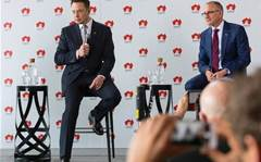 Tesla to build giant battery in South Australia