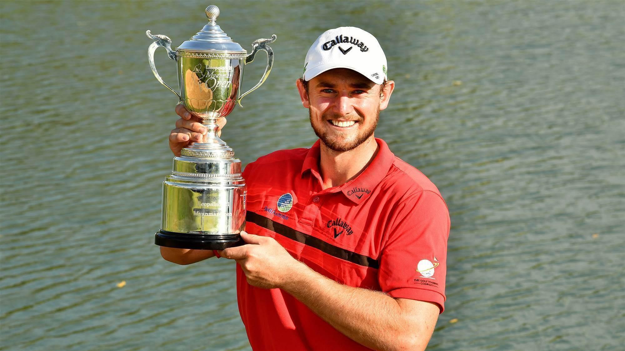 Sinnott snares maiden pro victory