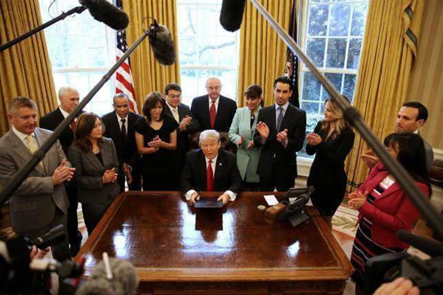 Trump postpones signing of executive order on cyber-security