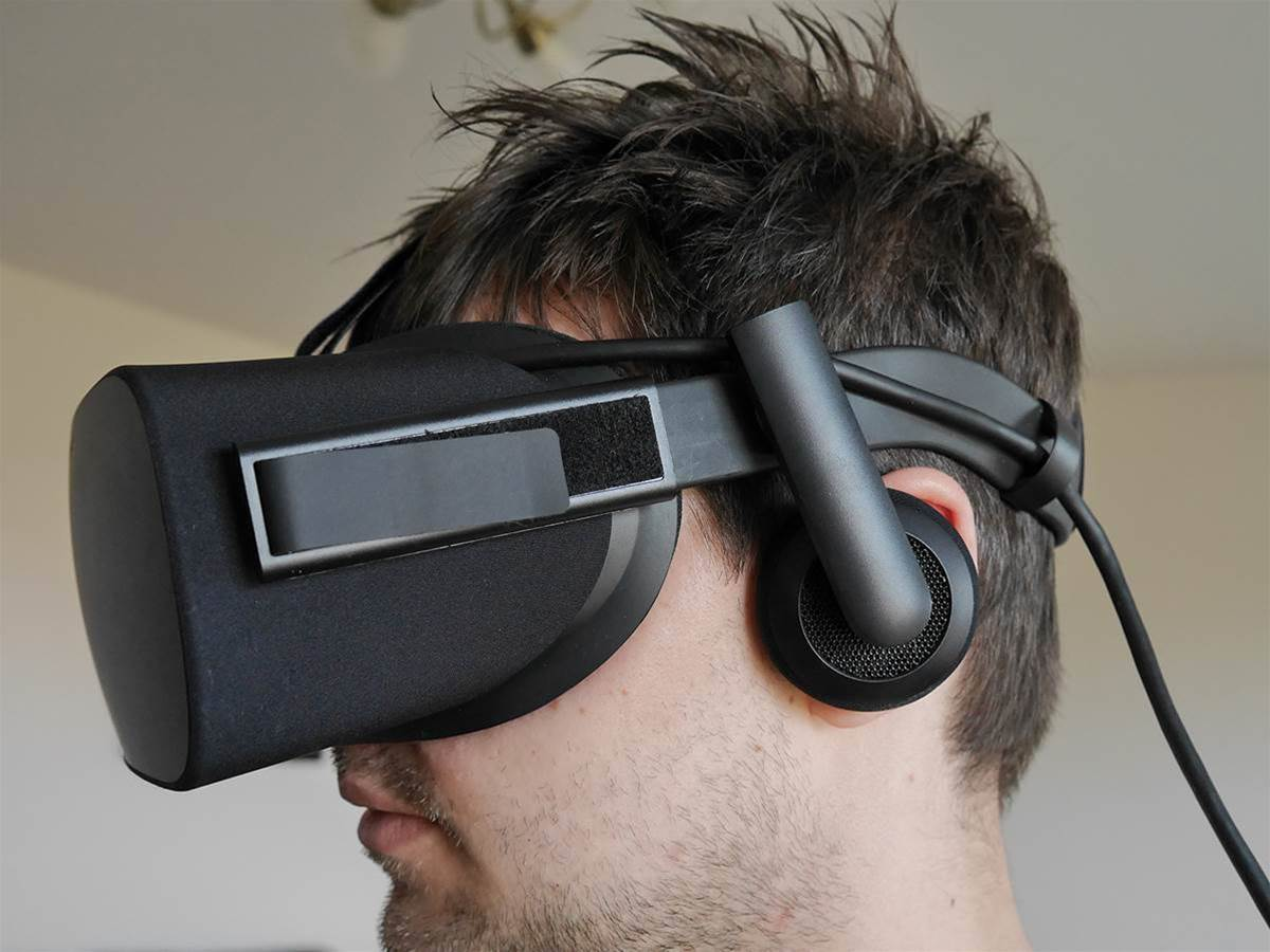VR gets cheaper with big Oculus Rift and Touch price drops