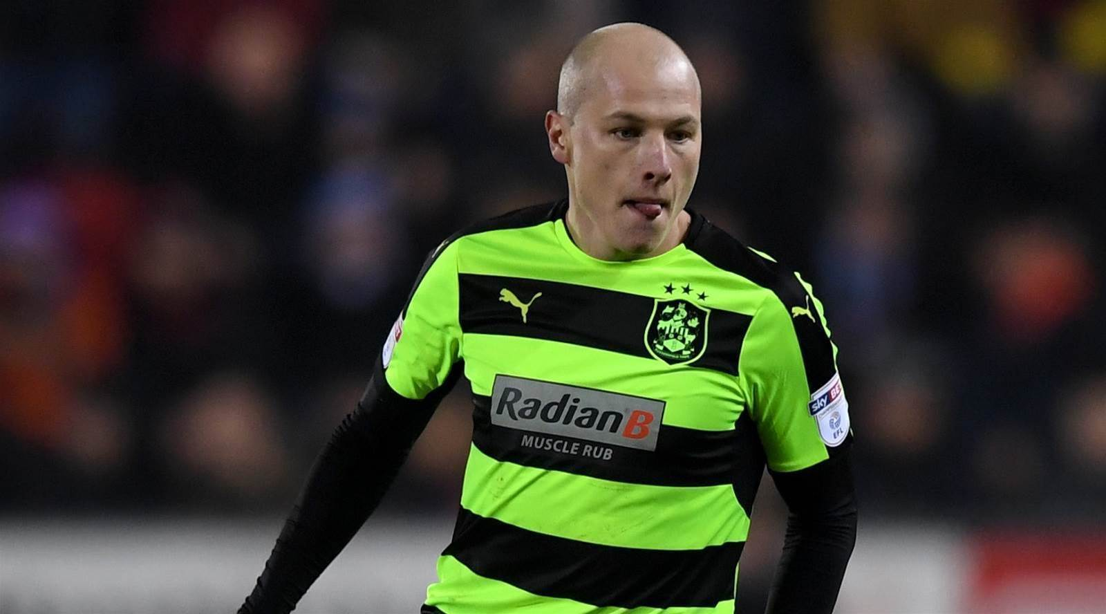 Mooy's Huddersfield clinch play-offs spot