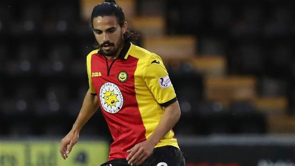 Edwards extends Thistle stay