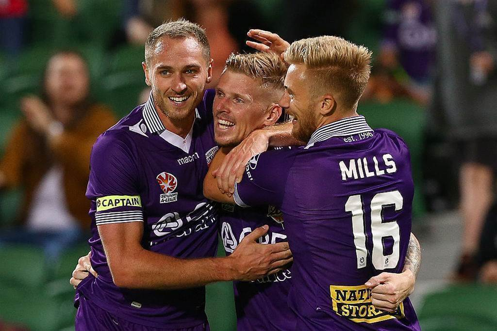Glory lock in two pre-season games