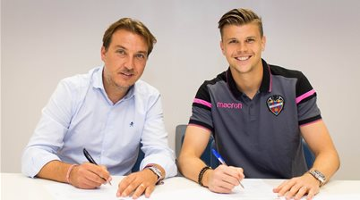 Langerak completes Spanish switch