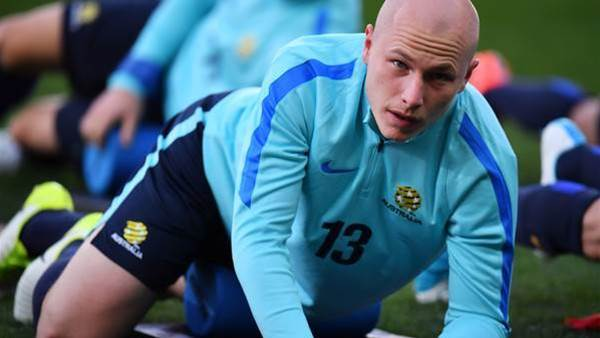 Mooy out ill, Kruse up front