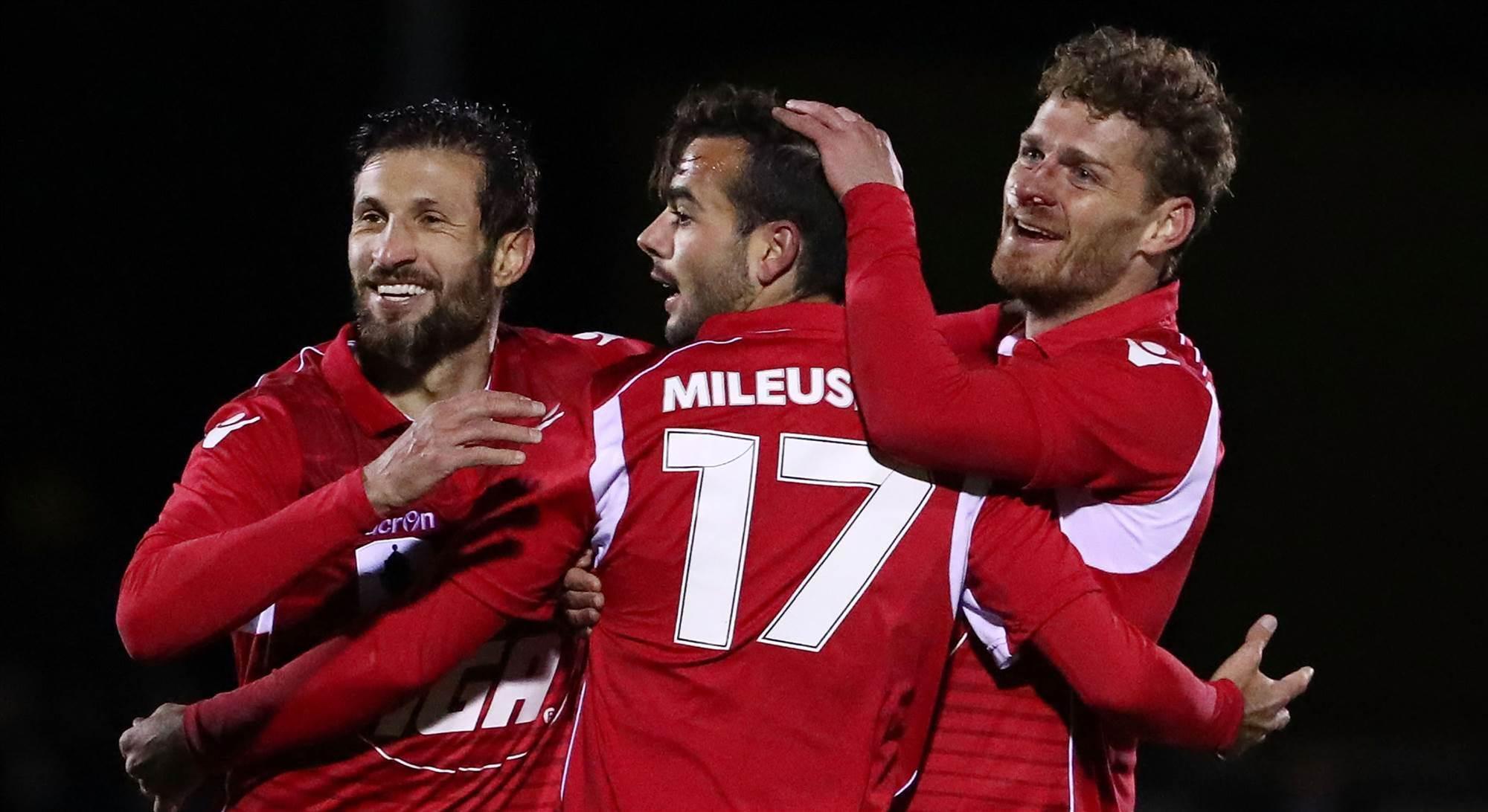 Mileusnic treble sends Reds into semis