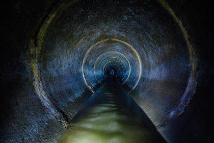 Telecoms company plans to run broadband through London's sewer network